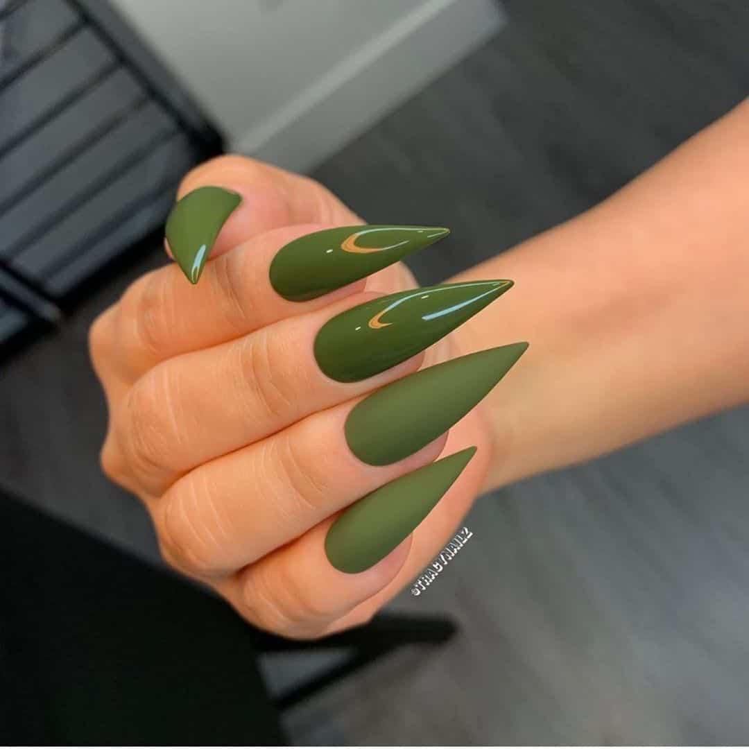 green stiletto nails