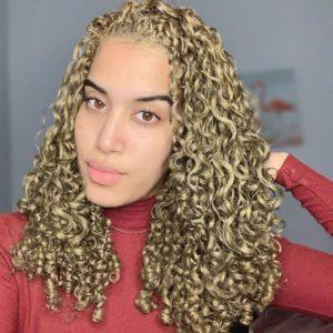 gold hair dye on curly hair