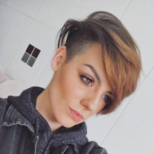 25 Short Hairstyles & Haircuts for Women