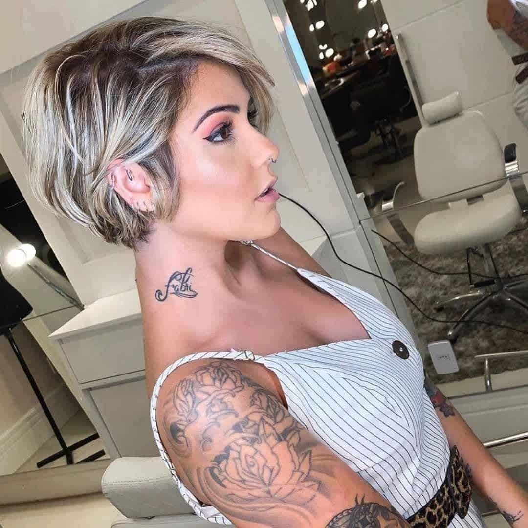 pixie cut with platinum highlights