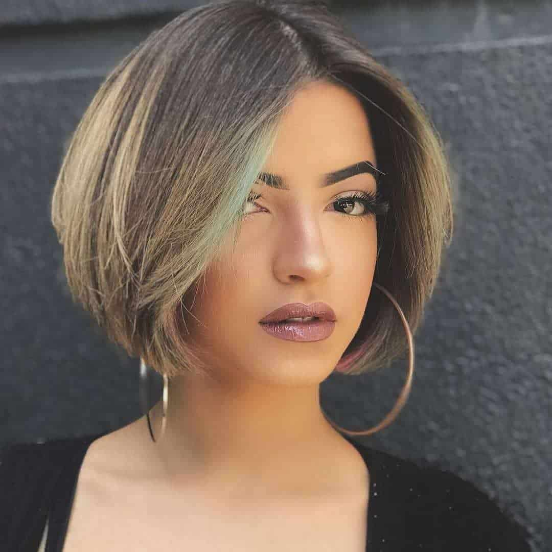 middle part short bob hairstyle