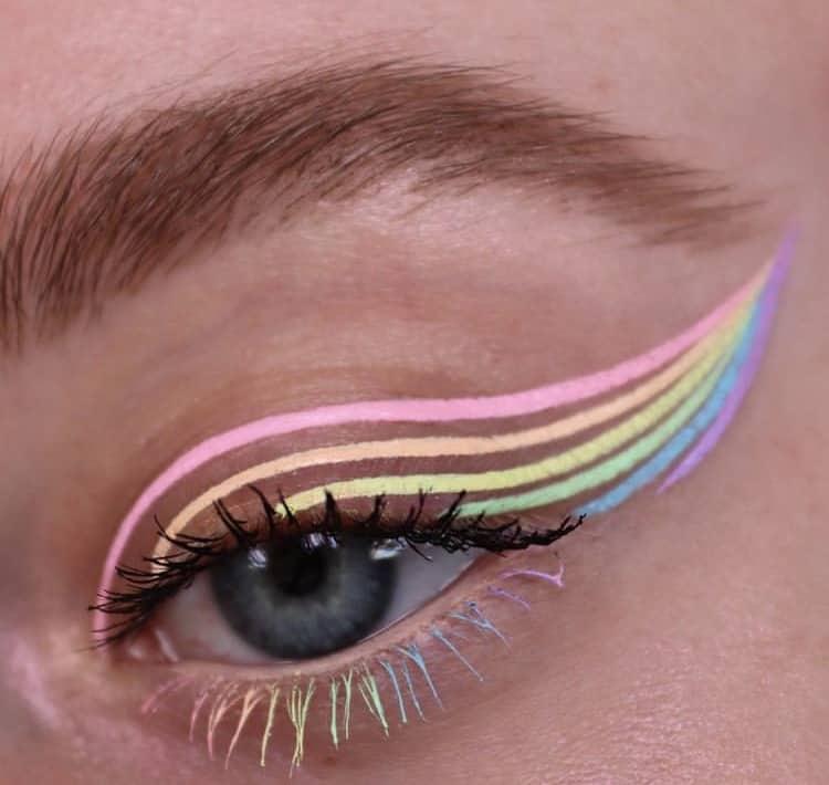 colored outline eyeshadow indie makeup