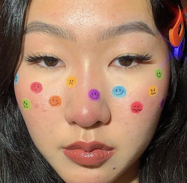 Emoji indie makeup