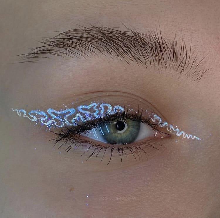Glitter doodle eyeshadow
